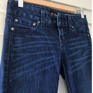 Guess Medium Rise Skinny Sarah fit